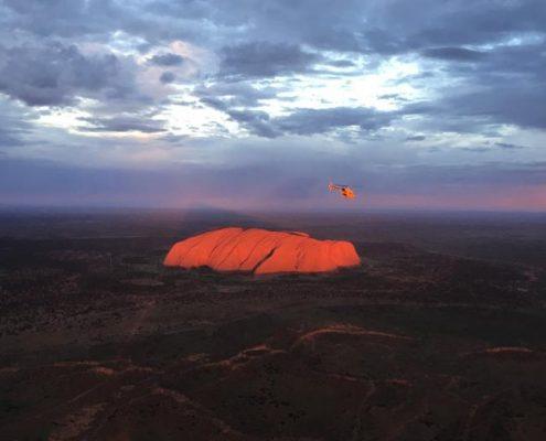 Survol en helicoptère d'Uluru